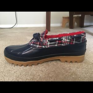MEMORIAL SALE-Sperry water shoes/clogs